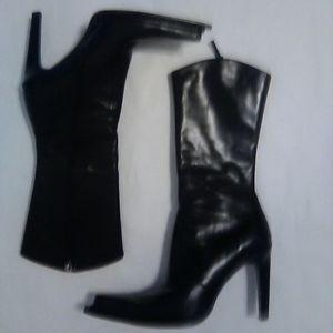 BCBG Cowboy Inspired Black Boots SZ 6